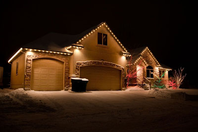 clear c9 christmas lights on front eves - Christmas Light Home Decorating Ideas